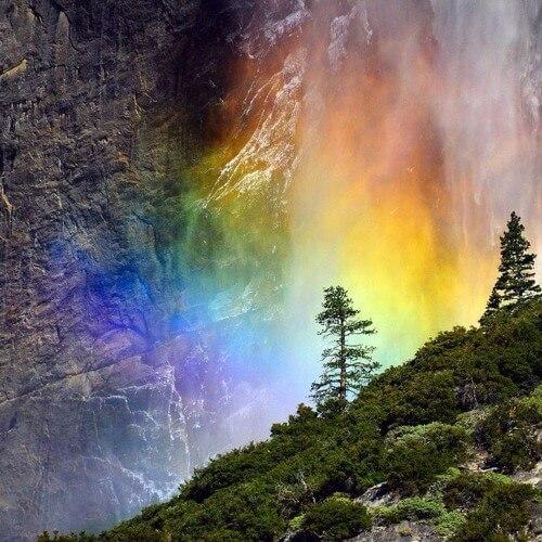 Огненный водопад лошадиный хвост (Horsetail Fall)