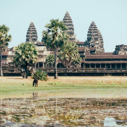 Храмовый комплекс построен из камня