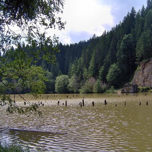 Достопримечательности Румынии. Ведьмино озеро
