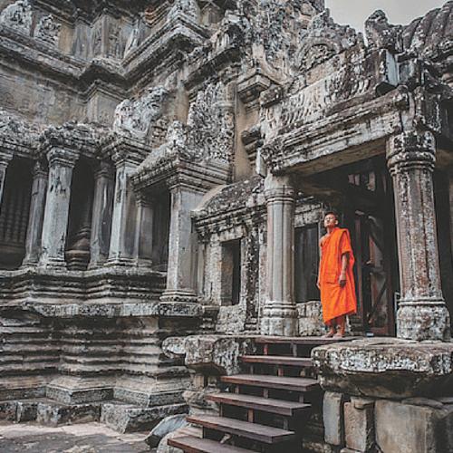 Храм построен из чрезвычайно гладких камней