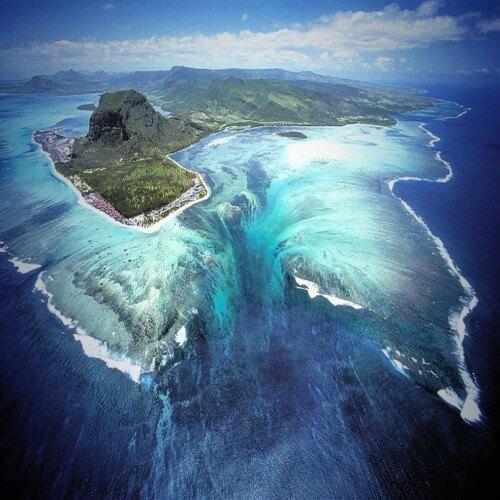 Подводный водопад в Маврикии