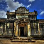 Загадочный храм Ангкор-Ват в районе древней столицы кхмеров (Камбоджа)