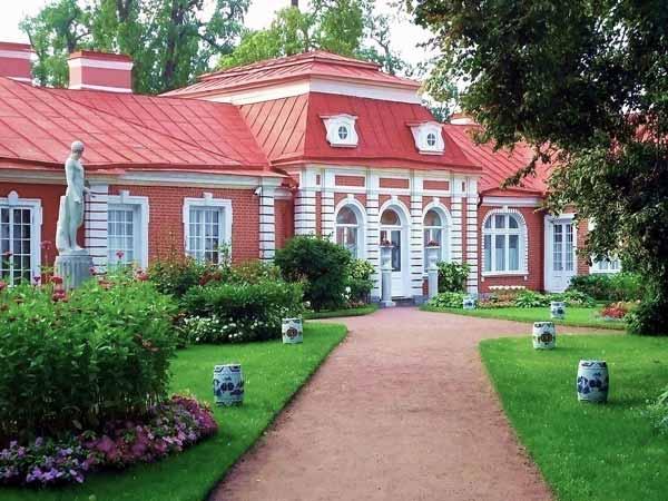 Здания в стиле барокко. Дворец Монплезир