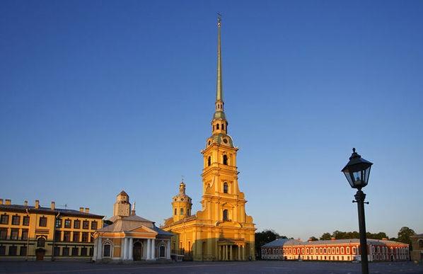 Здания в стиле барокко. Петропавловский собор