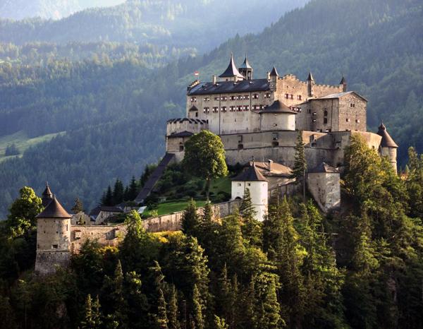 Достопримечательности Зальцбурга,Замок Хоэнверфен