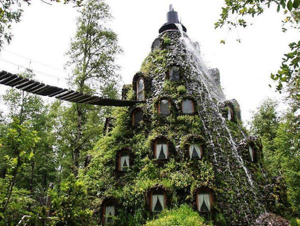 Необычные отели мира. Magic Mountain Hotel, Чили