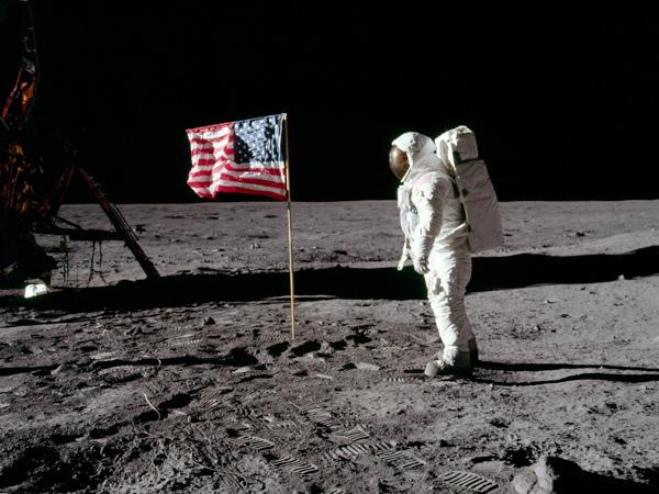 Аполлон-11, Правда или миф? Высадка американцев на Луну