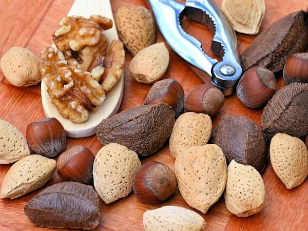 Полезные продукты питания. Орехи