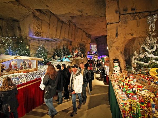 Рождественские ярмарки Европы. Fluweelengrotte. Валкенбург, Нидерланды