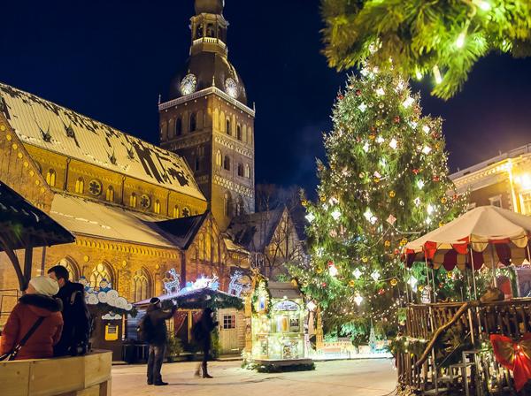 Рождественские ярмарки Европы. Ziemassvētku Tirdziņš Doma laukumā. Рига, Латвия