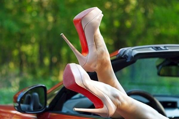 Женщина за рулем. Выбираем обувь